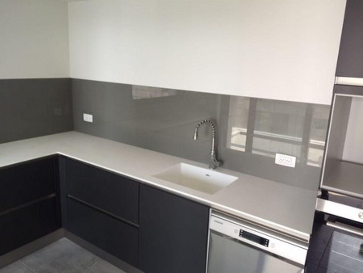 מותג חדש חיפוי זכוכית למטבח | טיפים והמלצות לחיפוי זכוכית למטבח – במידרג RV-37