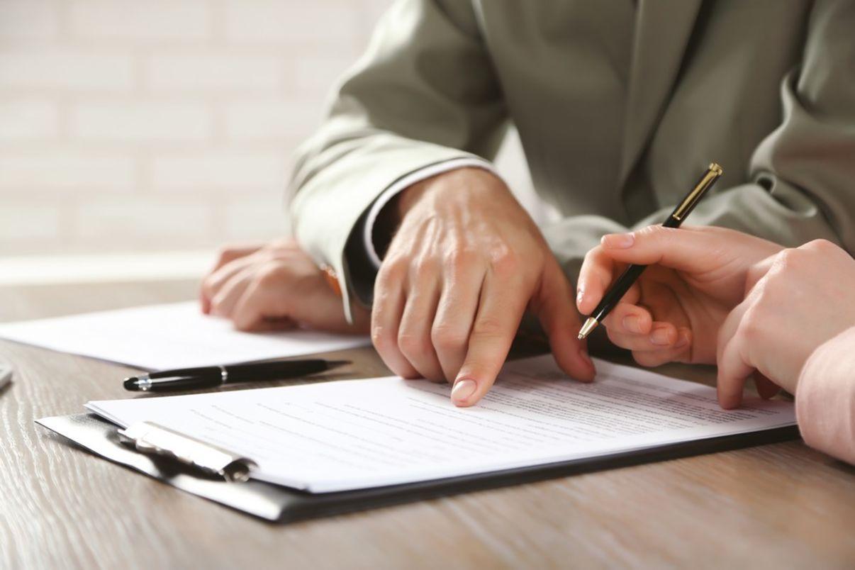 חתימה על הסכם שכירות