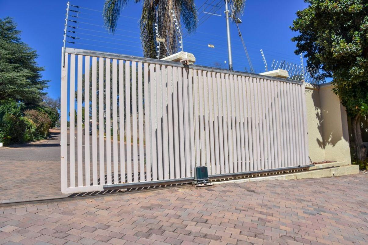 רק החוצה שערים חשמליים - מחירים | הצעות מחיר לדוגמא של שערים חשמליים - מידרג MI-96