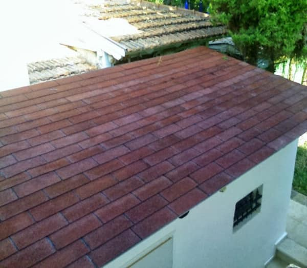 מחסן גג.