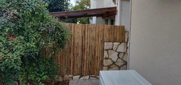 גדר במבוק גובה 1.5 מטר עם קונסטרוקציה תמיכה