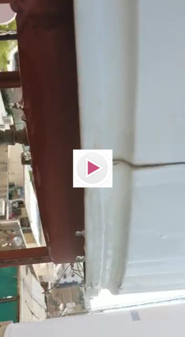 הוידאו שצילם על הגג כדי להראות לי את התקלה