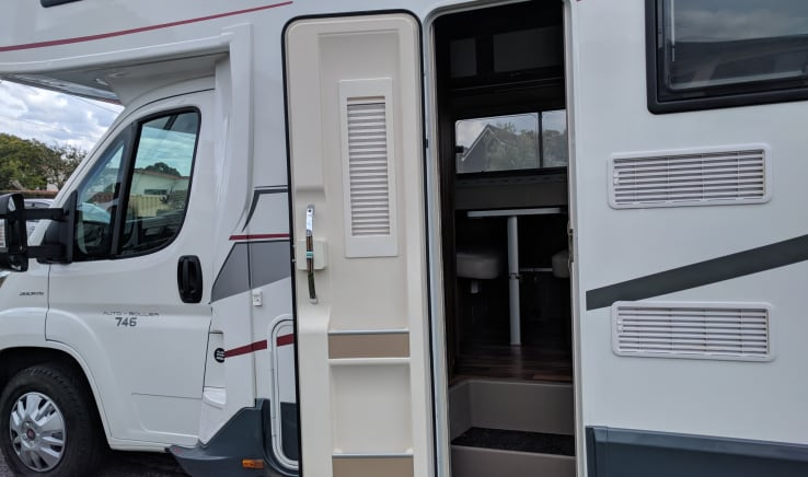 Mighway | Motorhome Rental - Plan, Book & Explore