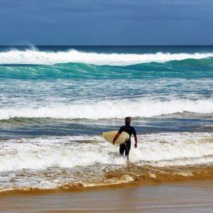explore new plymouth taranaki central north island surfing