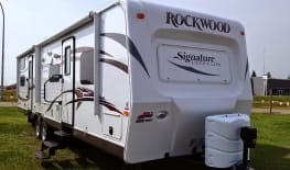 2015 rockwood 8311ss