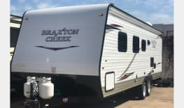 2018 Braxton Creek 26Ft Bunkhouse Travel Trailer