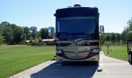 Class A Diesel: 2013 40' Fleetwood Discovery - Nashville