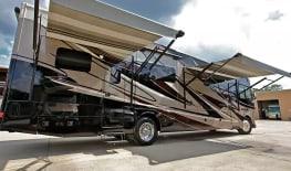 Thor Motor Coach Outlaw 37MD (Traveler) II