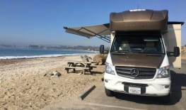 Mercedes Winnebago Model V (Grey)
