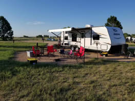 29' Family friendly travel trailer