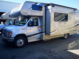 2019 Coachman Leprechaun220QB- Perfect Family RV
