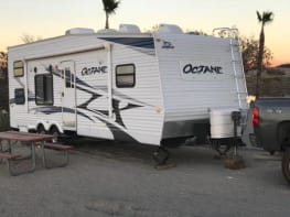 2010 Jayco toyhauler for rent