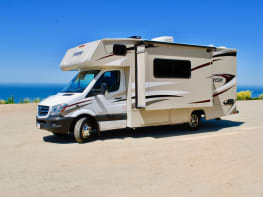 2018 Mercedes-Benz RV1 Turbo Diesel engine 19 MPG with a dining room Slide Out!