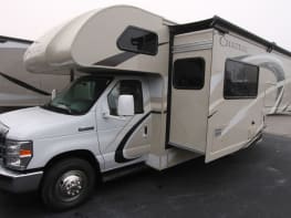Expedition Class C -  25ft Thor Chateau F