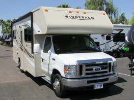 Adventure KT - 2015 Winnebago Minnie Winnie 25B