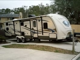 Traveling Hotel for the Whole Family! 2013 Crossroads Sunset Trail Reserve