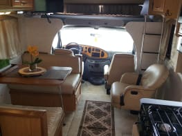 Sale!  UNLIMITED generator use! 24FT Fleetwood Jamboree. EZ2 Drive, All National Park length legal - perfect for families