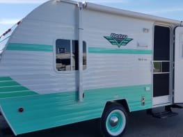 """Stella"" 2018 Riverside Retro 177se 18"" Travel trailer"