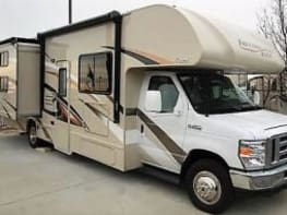 RENT MY RV - 32' Thor Freedom - Double Slide-Out with Bunk Beds
