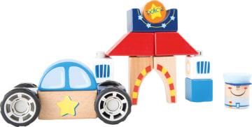 Byggesett i tre, politistasjon med politibil