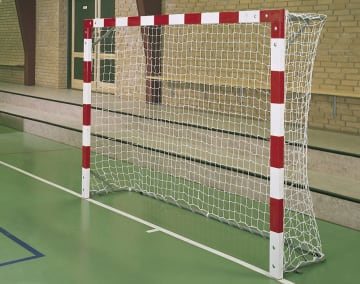 Minihåndballmål i tre innendør  H160 x B240 x D50 cm.