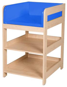 Lite stellebord med blå madrass