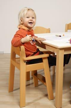 Kiddi sit barnestol med fotstøtte