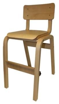 Karlo høy barnestol i beiset bøk(Ahorn) m/justerbar fothvile