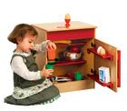 Milas lekekjøkken, kjøleskap. Rødt