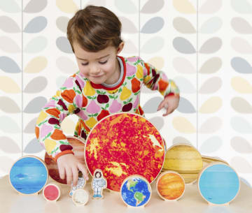 Solsystemet vårt, 12 deler i tre.