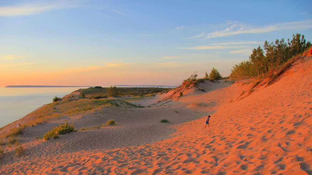 sleeping_bear_dunes1.jpg