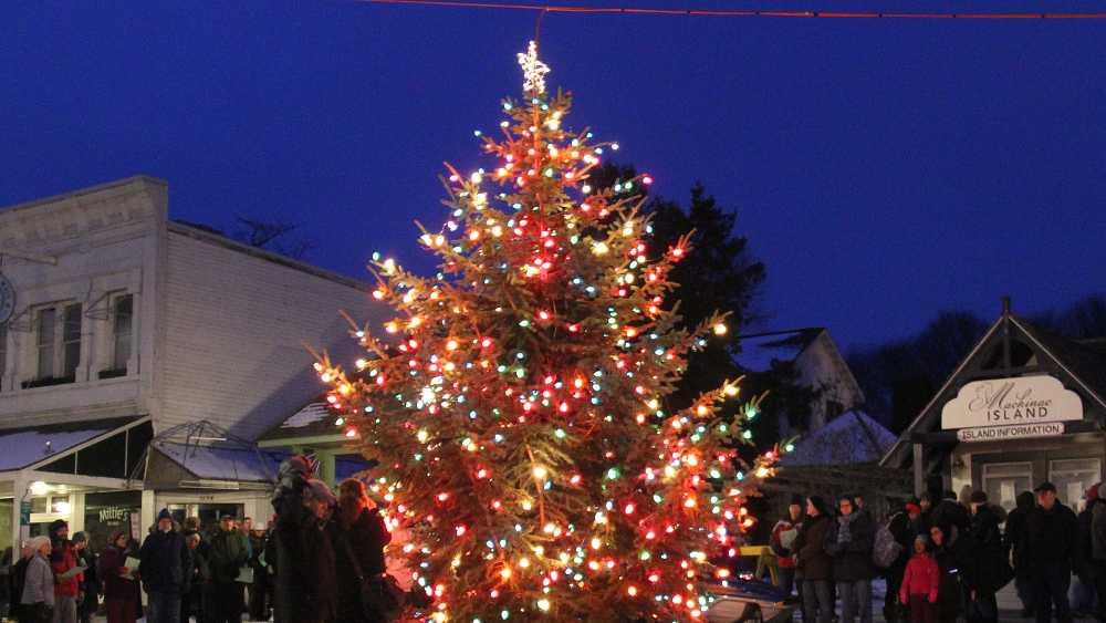 Island Christmas Tree.Mackinac Island Christmas Tree Lighting Michigan