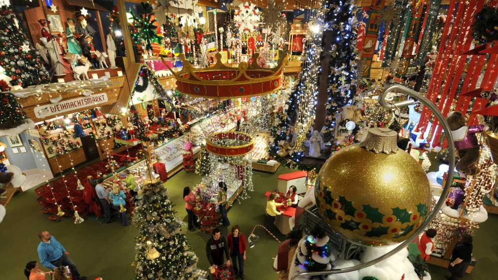 bronners christmas wonderland the worlds largest christmas store