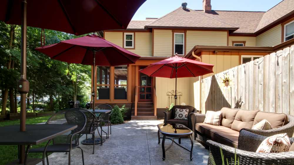 Twin Oaks Inn Patio West View.jpg