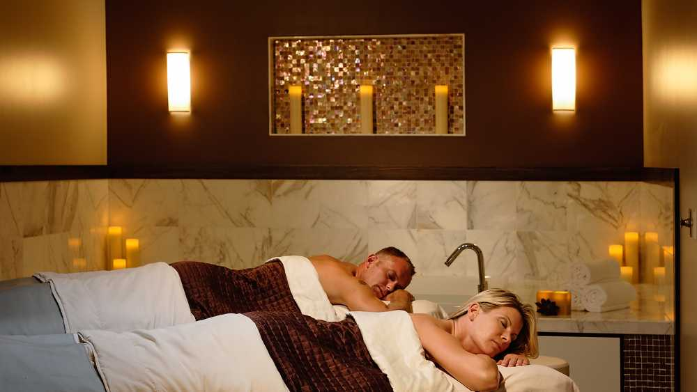 Couples massage at Crystal Spa.