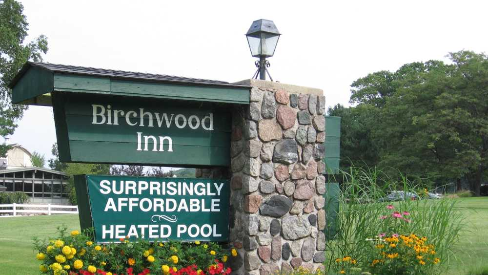 Birchwood Inn - 2272.JPG