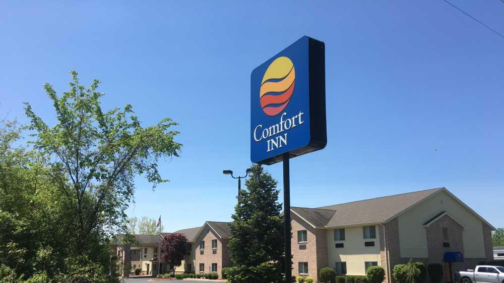 Paw Paw Comfort Inn and Suites