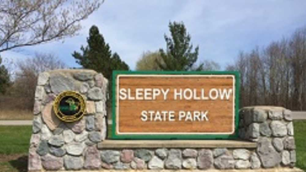 DNR, Sleepy Hollow State Park, Sign, Spring