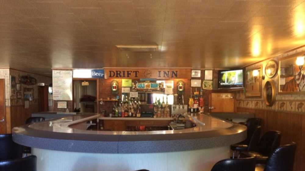 Drift Inn Bar & Grill