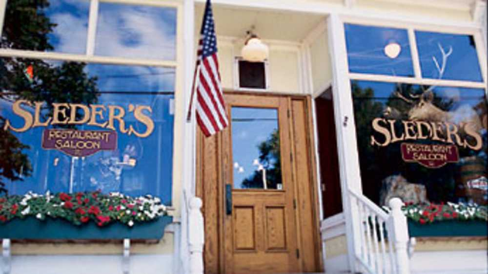 Sleder's Family Tavern - Photo 1