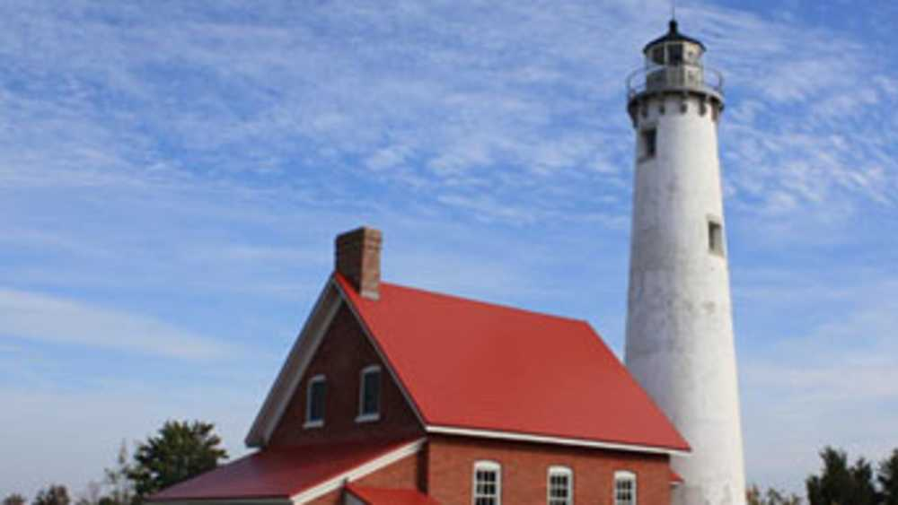Tawas Point Lighthouse - Photo 2