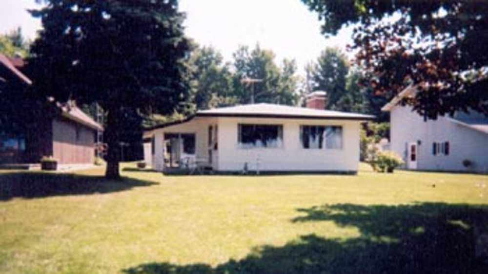 Swell Belmer Mullett Lake Cottage Michigan Download Free Architecture Designs Scobabritishbridgeorg