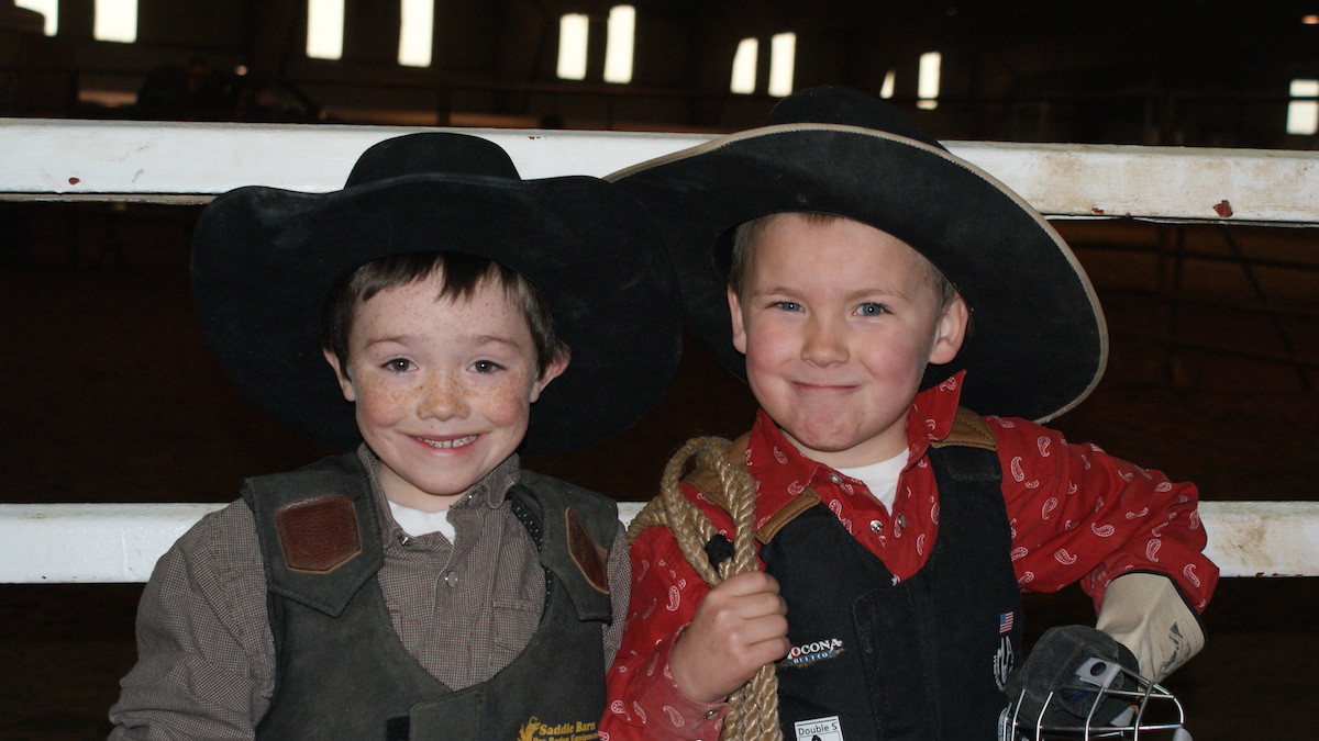 Ultimate Minature Bullriding contestants, photo by Jennie Hutchinson (1).JPG