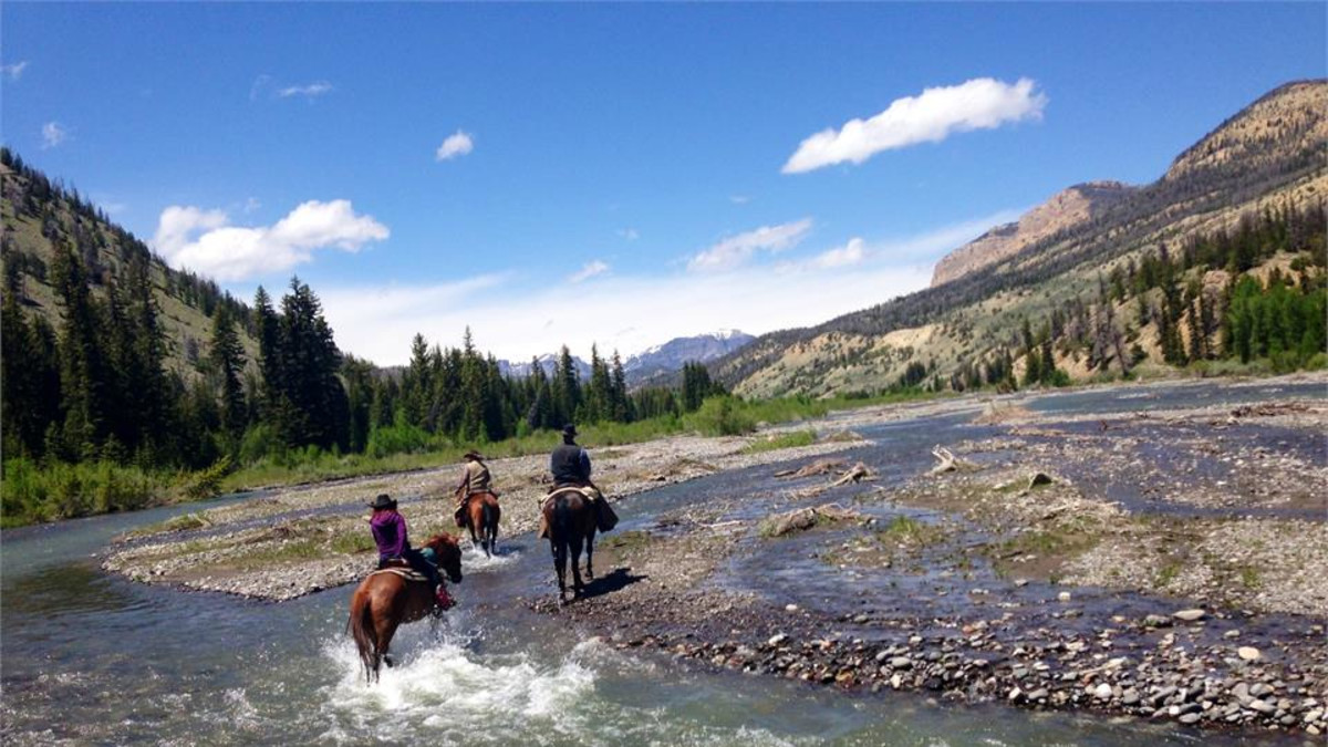 Visit the Lazy L&B Dude Ranch and Save up to $300 per person!