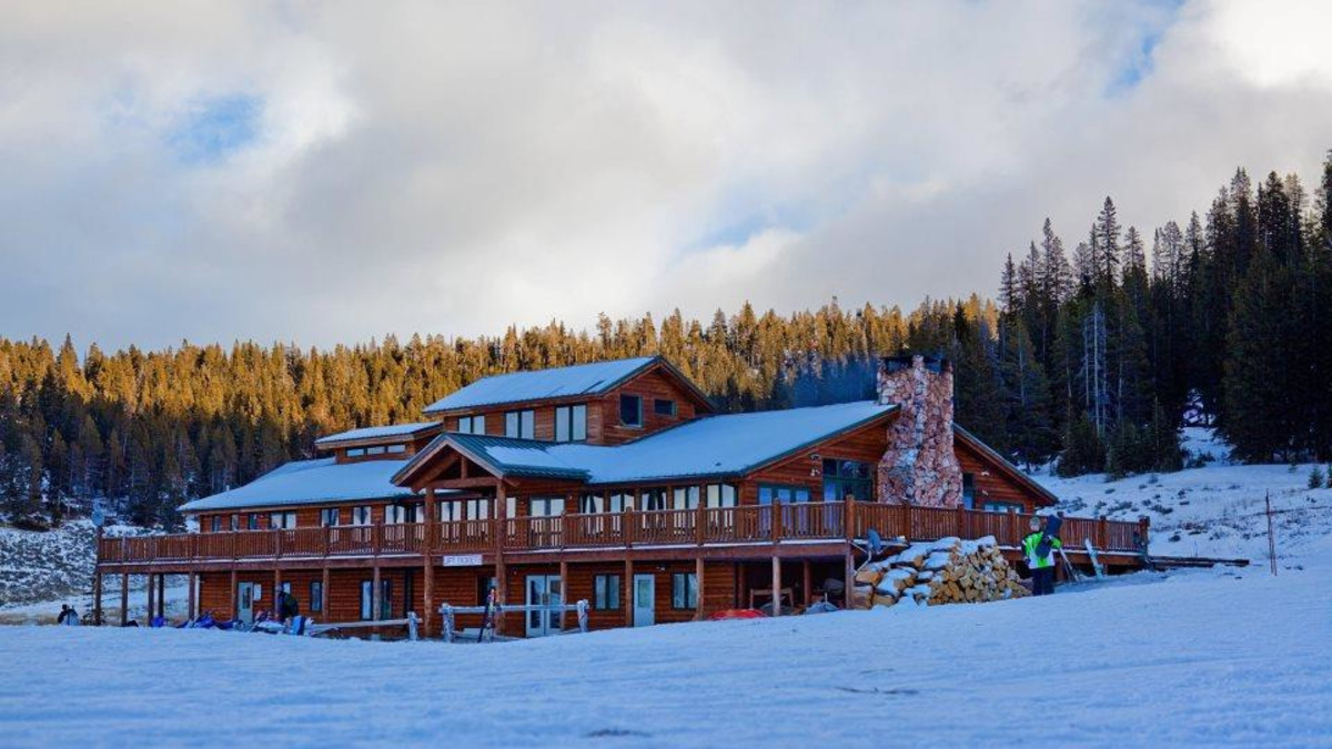 meadowlark ski lodge - ten sleep | travel wyoming. that's wy