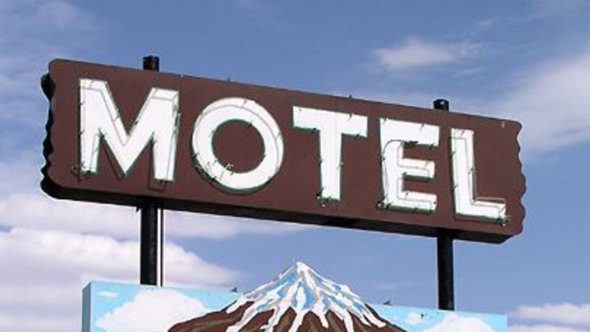 Motel West Winds