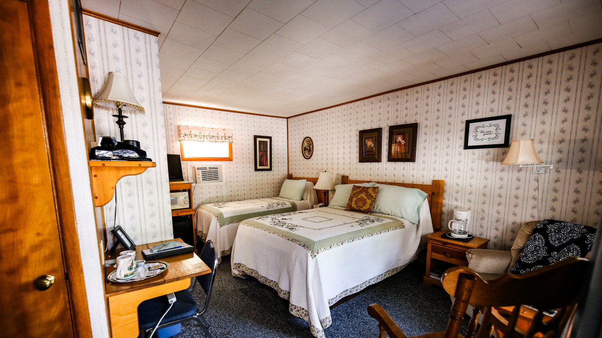 Old Fashioned Rooms at the edge of the Black Hills