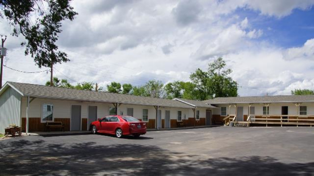 Rangeland Court Motel & RV Park