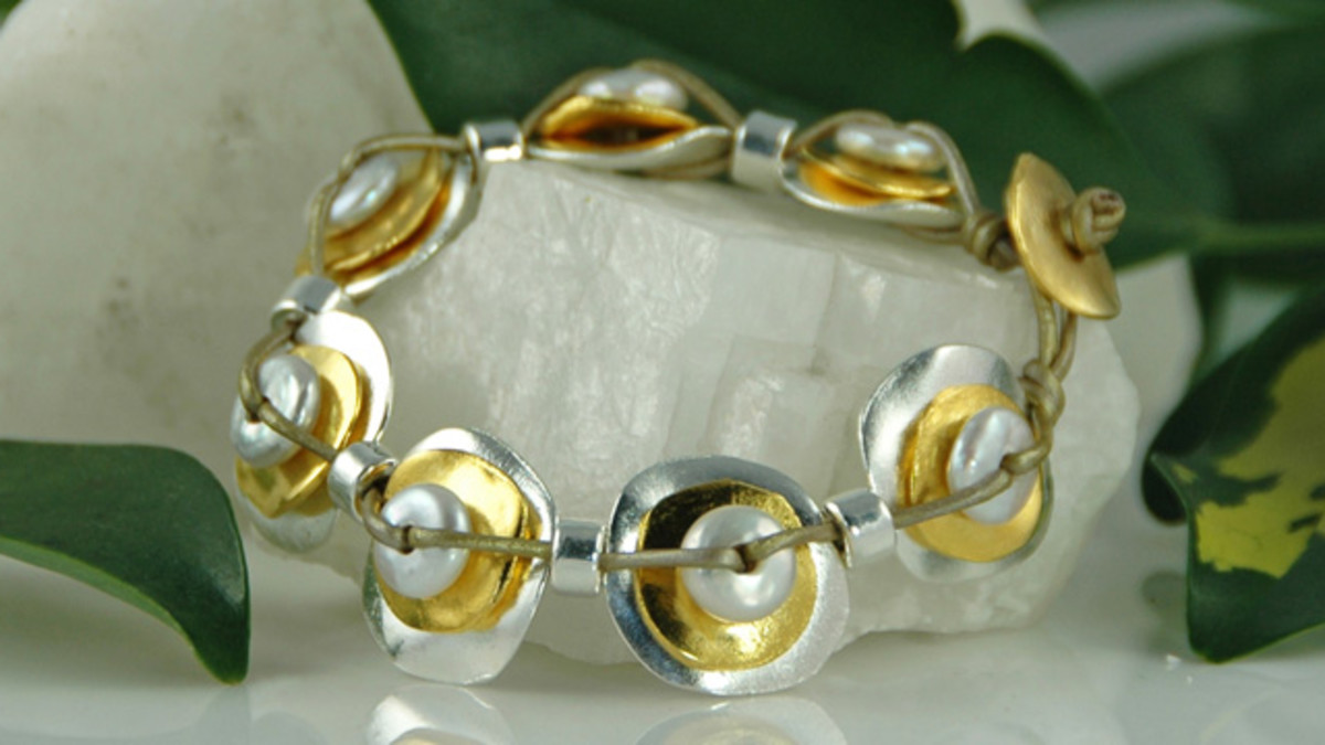 Double Stacked Cornflake Bracelet with White Pearl on Leather