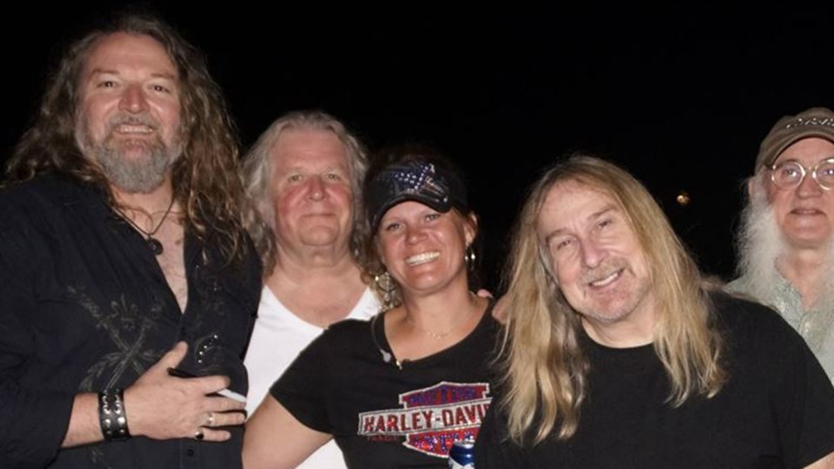 Jen Nehl with Kentucky Headhunters